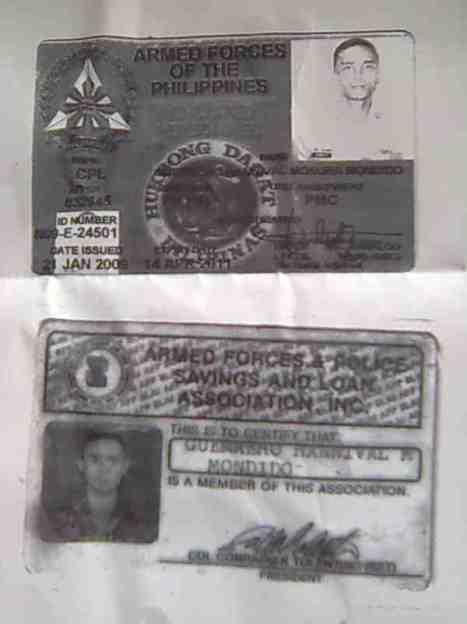 Ang dalawang ID ni Korporal Hannibal Mondido Guerrero mula sa Hukbong Dagat ng Filipinas (Philippine Marines)