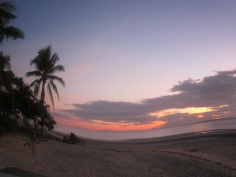 Bantayan Island. Kuha ni Bobby Añonuevo. 2011.